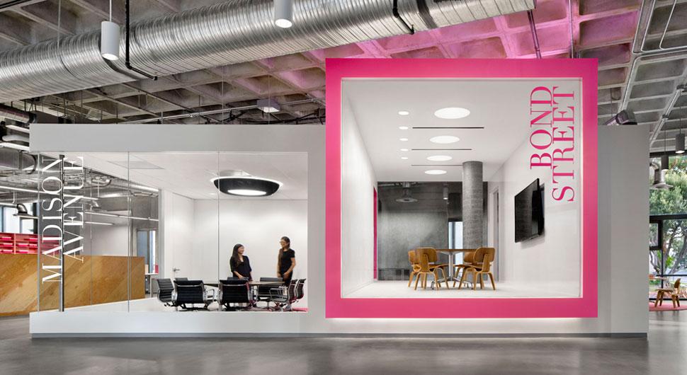 JUSTFAB,    Environmental Graphics: EGG Office